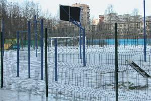 Корты и спортивные площадки